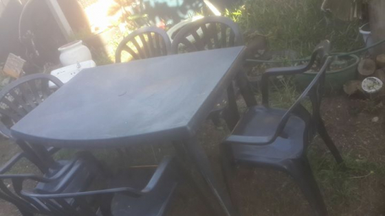 1 x plastic table and 6 chairs.