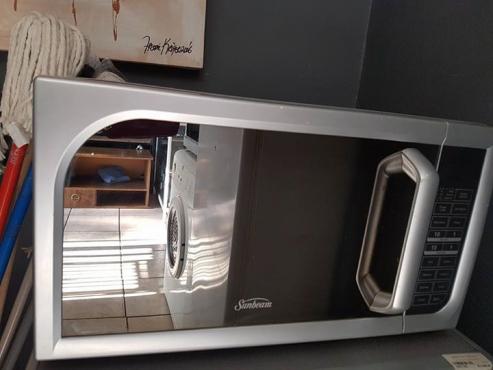 Sunbeam Microwave 45L