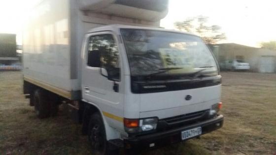 Nissan UD 40