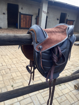 Brown Leather treeless saddle