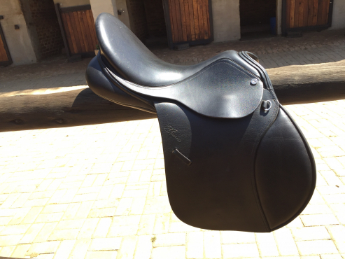 Black Trainer's Professional Deluxe saddle