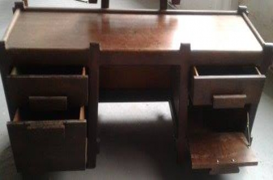 Solid wood dressing table with chair