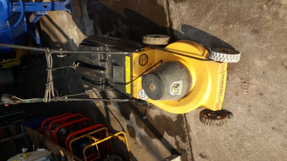 Cherokee Electric grasscutter(lawn mawer) working condition good