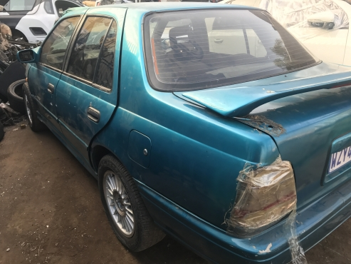 NISSAN SENTRA STRIPPING FOR SPARES