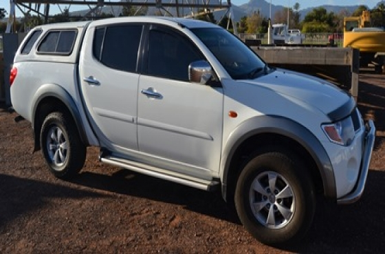 2008 MITSUBISHI TRITON 3.2 DiD DOUBLE CAB 4X4 WITH CANOPY & 2008 MITSUBISHI TRITON 3.2 DiD DOUBLE CAB 4X4 WITH CANOPY | Junk Mail