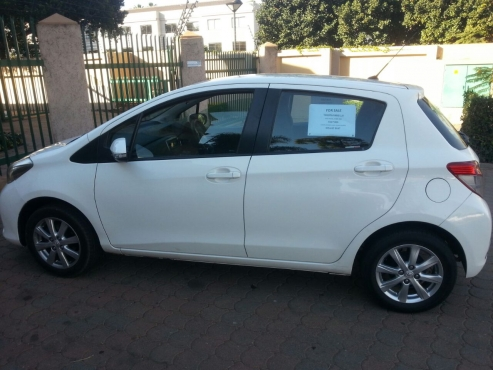 yaris south sheffield for yorkshire turquoise toyota sale hatchback in hybrid used