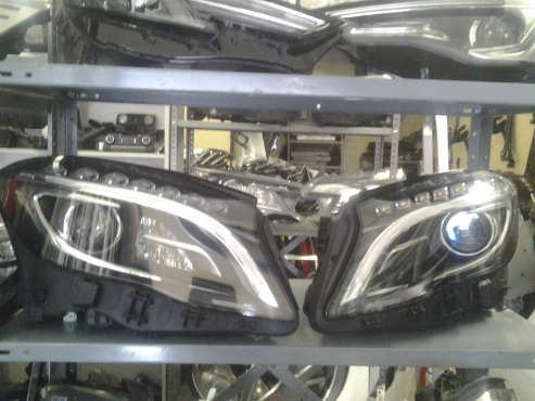Mercedes Benz W156 Gl headlamps available
