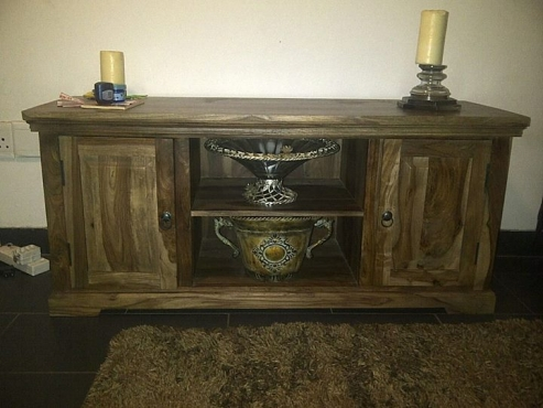 SOLID WOOD TV UNIT FOR SALE