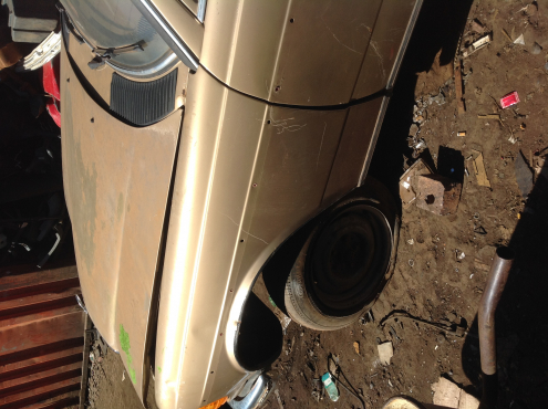 Stripping Mercedes-Benz E230 W123 1984 for Spares