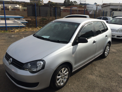 Volkswagen Polo Vivo 1.6 2012 year Model with 4 Doors, Factory A/C and C/D Player