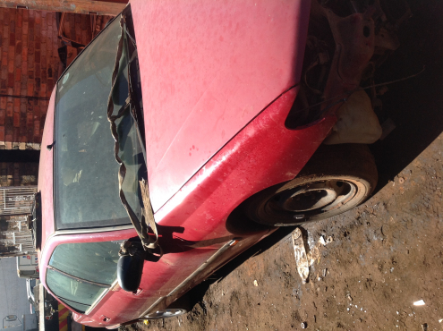 Stripping Peugeot 406 1997 for Spares