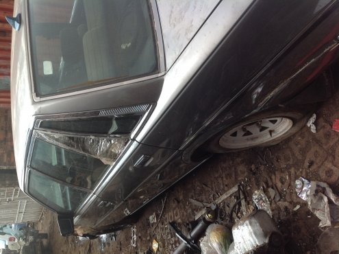 Stripping Toyota Cressida 1988 for Spares