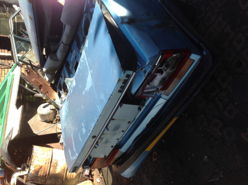Stripping Nissan Skyline 1986 for Spares