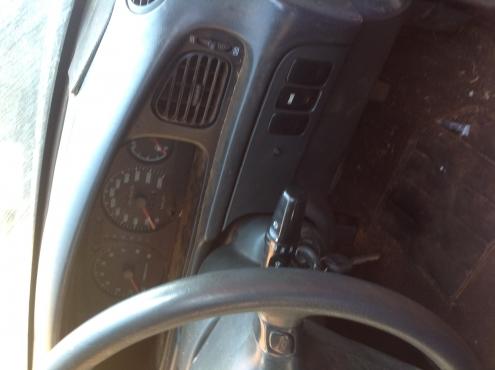Stripping Hyundai Sonata 1996 for Spares