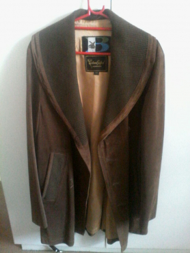 Gorgeous soft brown leather coat (soft suede like leather) R500 neg