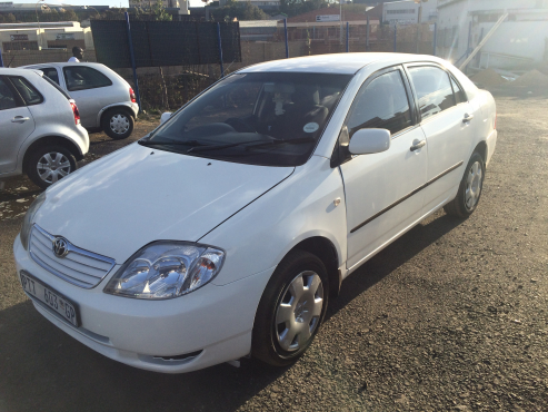 Toyota Corolla Auto 2002 Model with 4 Doors, Factory A/C and C/D Player