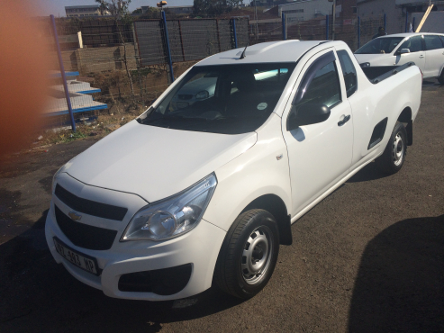 Chevrolet  Utility Bakkie 1.6 2015 Model with 4 Doors, Factory A/C and C/D Player