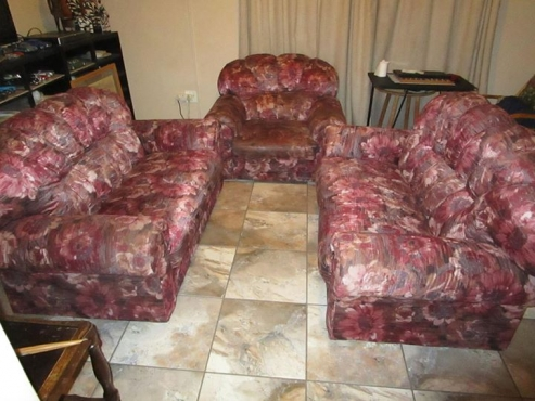 5 SEATER LOUNGE SUITE,,,