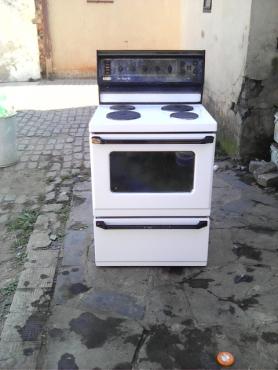 fridge and stove both R1200