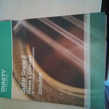 10 Music Books for Beginners & 2 Yamaha Recorders