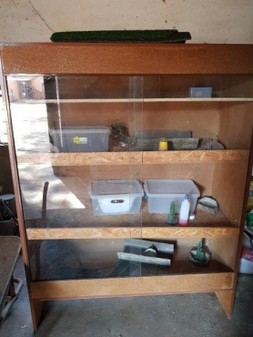 Reptile CAGE, 3 tier with accessories for sale