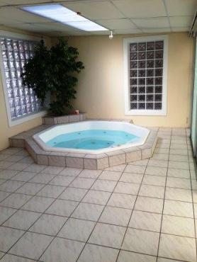 Huge 3 Bedroom Entertainers Dream Home With Granny/Teen Quarters In Proper Flamingo Vlei.