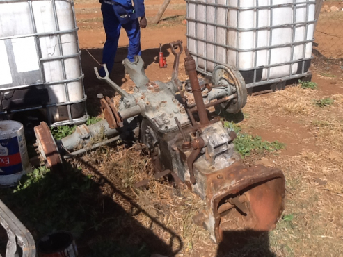 massey ferguson 135 gearbox and diff | Junk Mail