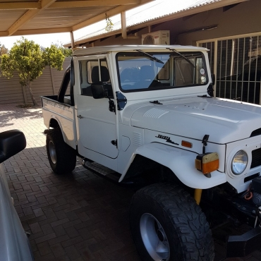FJ45 Landcruiser with 350 Chevy V8 | Junk Mail