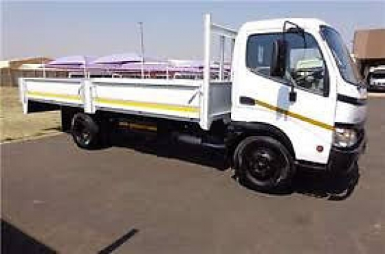 2009 Toyota Dyna 4tonner dropside truck for sale in excellent condition