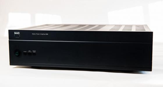 NAD 214 Amp