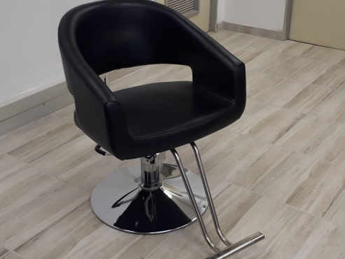 Hair Salon Styling Chairs and shampoo units