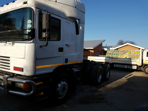 ERF EC14 460 select plus double axle horse