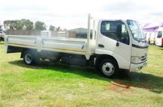 2009 Toyota Dyna 4 ton dropside truck for sale in excellent condition
