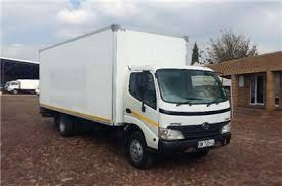 2011 HINO H300 4ton for sale in excellent condition!