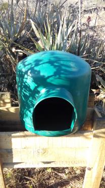 small dog igloo kennel