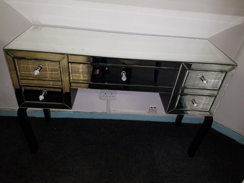 Mirror dressing table