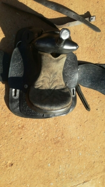 Western horse saddle for sale