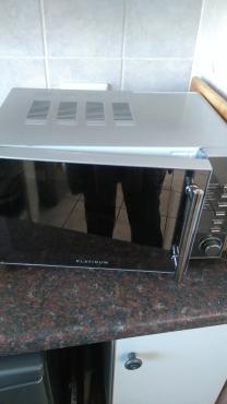 Secondhand Platinum Microwave for sale 20 Litre