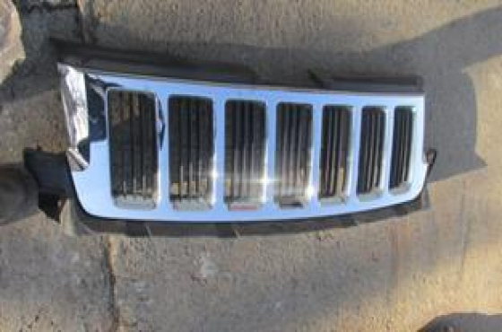 2013 Jeep Grand Cherokee Main Grill For Sale