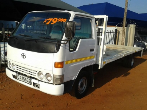 TOYOTA DYNA 2.4 FLAT BED 2000