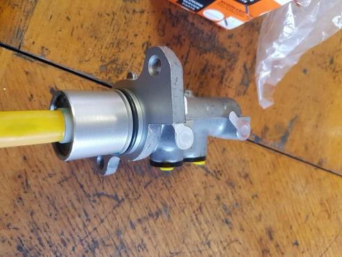 Master Cylinder Price >> Mahindra Scorpio Mhawk Brake Master Cylinder New Junk Mail