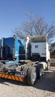 2013 Volvo 440HP (6x4) Truck