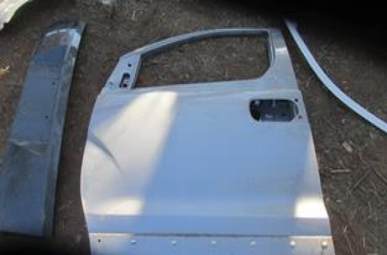 2014 Hyundai H1 Left Front Door Shell Silver For Sale