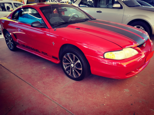 1994 Ford Mustang 38