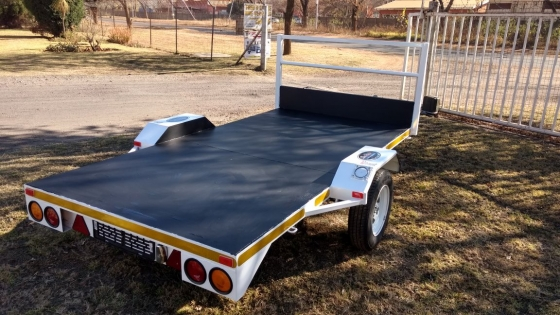 3 by 1.5 flatbed tra