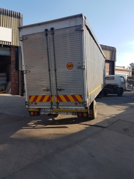 Nissan UD 40 with 9m Trailer