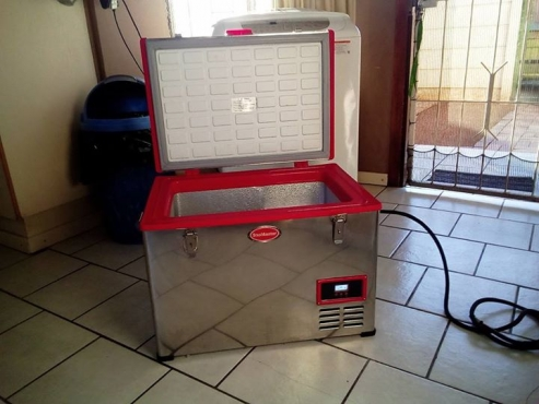 SnoMaster Portable Freezer 45L