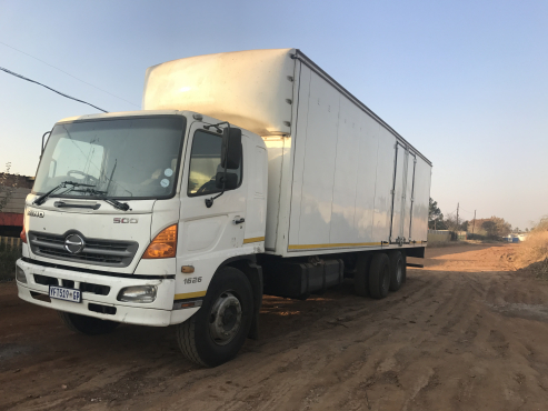 Hino 500,1626 truck with 9m closed body