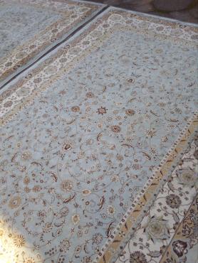 Silk carpet for dale
