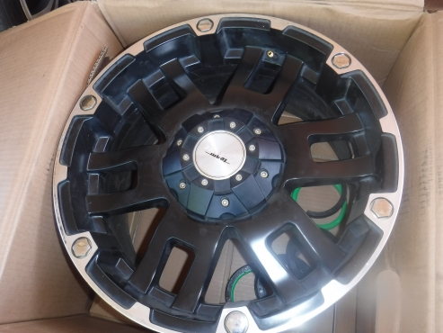 4x17inch bakkie mags,As new!!!139PCD